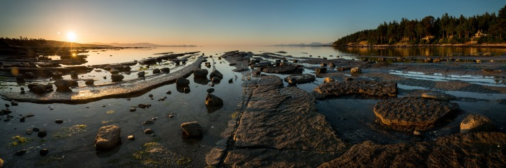 10 643 x 3548 pixel image of Sandpiper Beach on Hornby Island during sunrise