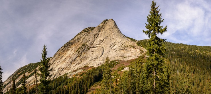 Spectacular scenery along the Coquihalla Highway in British Columbia