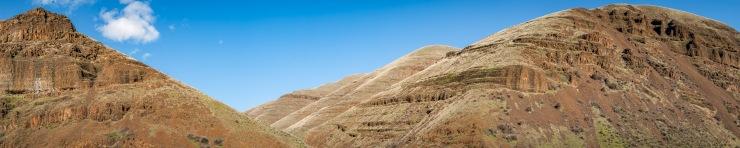 grassy hills along the deschutes river